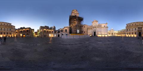 Lecce panoramica a 360° di Piazza Duomo e del barocco leccese