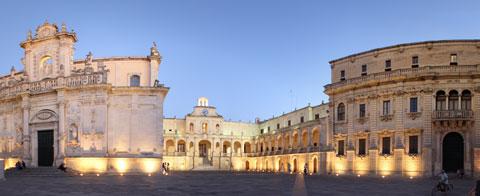 Panorama a 360° di Piazza Duomo a Lecce