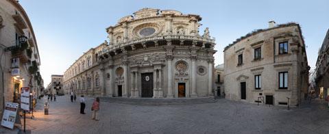 Basilica di Santa Croce a Lecce, trionfo del barocco leccese