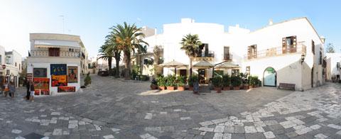 Piazza del Popolo a Otranto