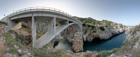 Il ponte del ciolo teatro di tuffi da brivido